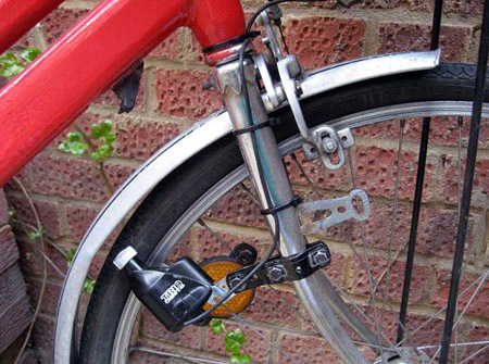Oscal L'Hermitte : Pedal-Powered Cell Phone Charger
