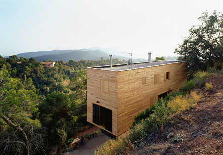 The Wooden Casa 205 by H Arquitectes