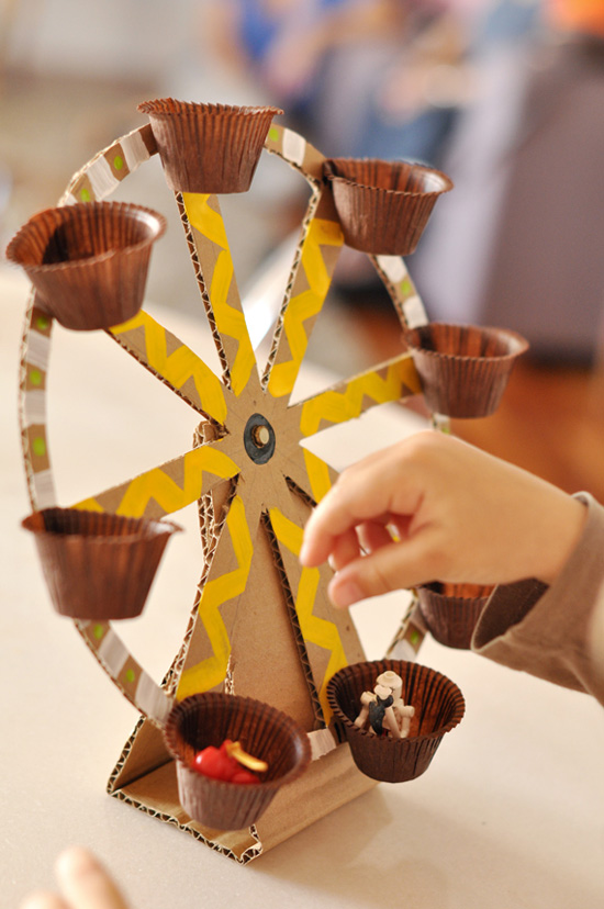 DIY Ferris Wheel Toy Made Out of Recycled Material