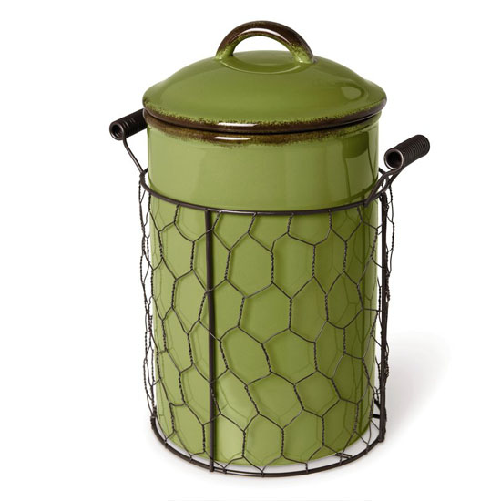 Farmhouse Compost Crock Helps You Compost Your Kitchen Scraps