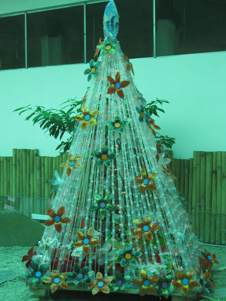 Panabo city s christmas tree made from recycled items Christmas tree ideas using recycled materials