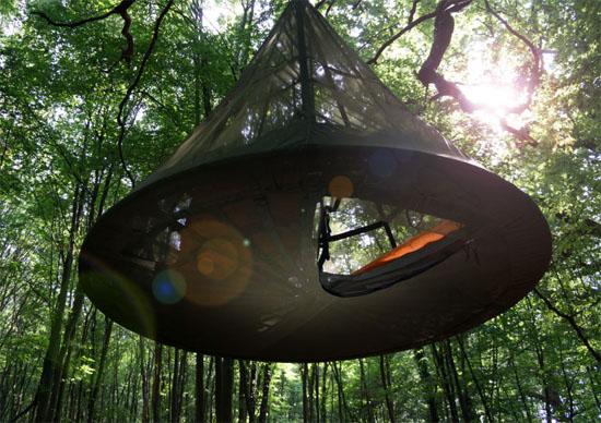 Sky-Pod Hanging Tree Tent