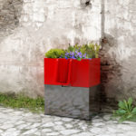 Uritrottoir : Urinal Planter for Emergency Pee