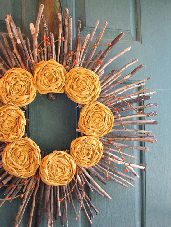 Green Halloween - Pumpkin Wreath to welcome your guests