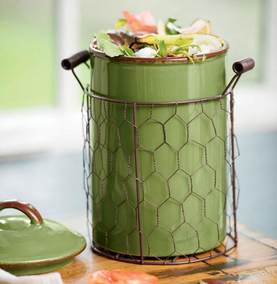 Farmhouse Compost Crock Helps You Compost Your Kitchen Scraps