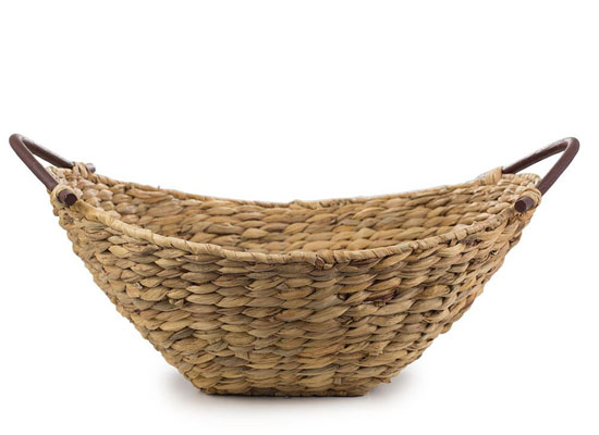Natural Handwoven Water Hyacinth Baskets from Bambeco