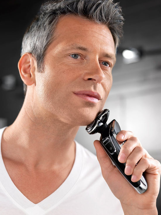 Philips Norelco 1280X SensoTouch 3d Electric Shaver with Jet Clean System