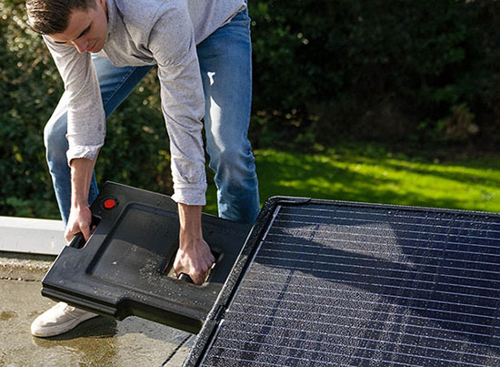 Supersola Plug-and-Play Solar Panel System by Mango Studio
